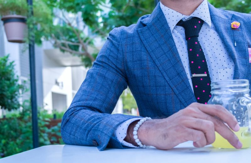 Should you match your tie and pocket square?